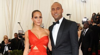 Derek Jeter and Hannah Davis pose at Met Gala