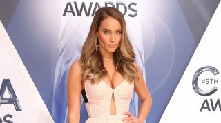 Hannah Davis shows off engagement ring on CMAs red carpet