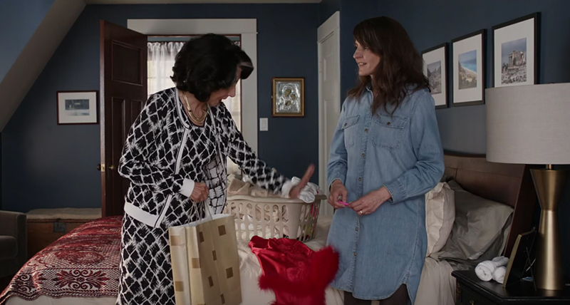 Aunt Voula giving advice to Toula