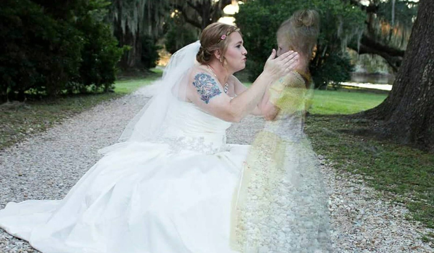 Bride holds late daughter on wedding day