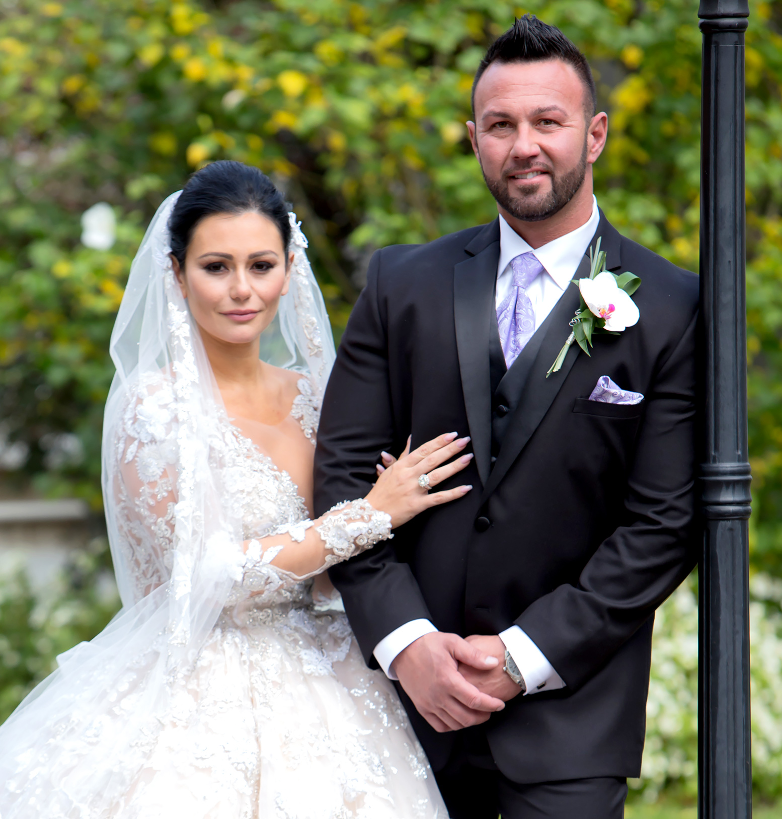 Jenni Farley and Roger Matthews get married on October 18