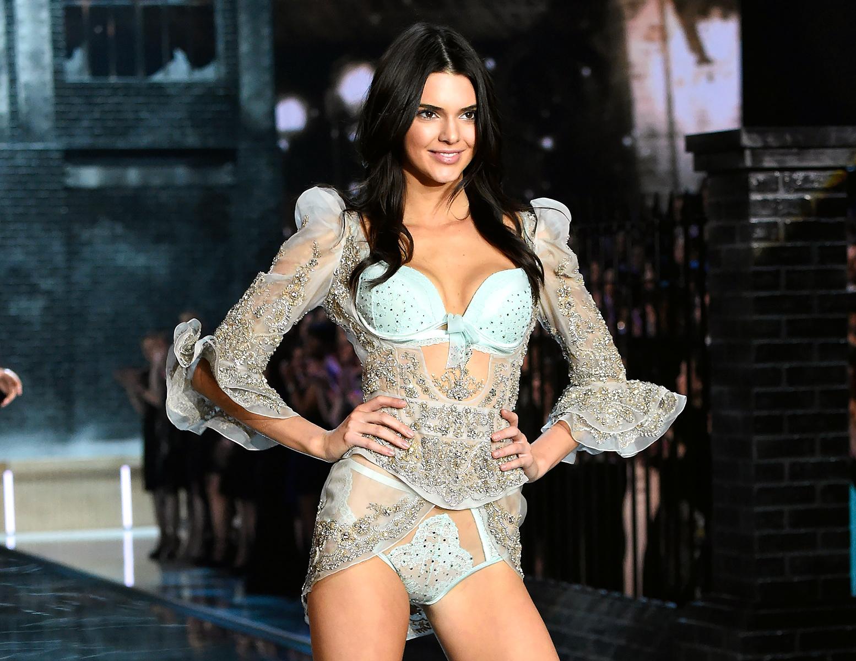 Victoria's Secret Fashion Show: 6 Honeymoon Lingerie Styles