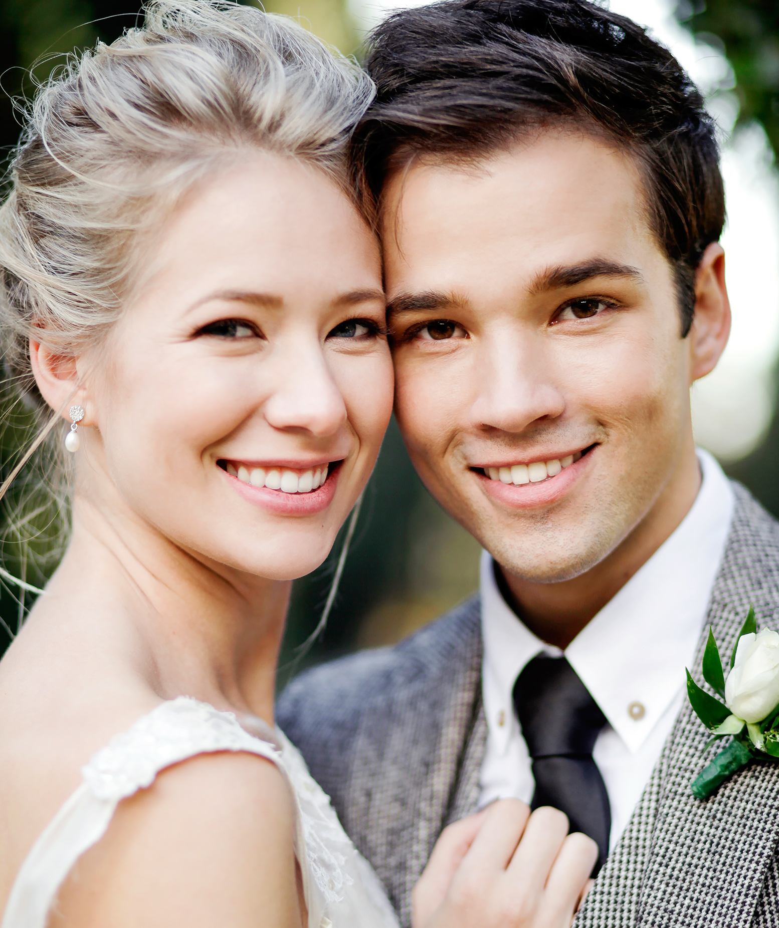 London Elise Moore and Nathan Kress wedding pictures