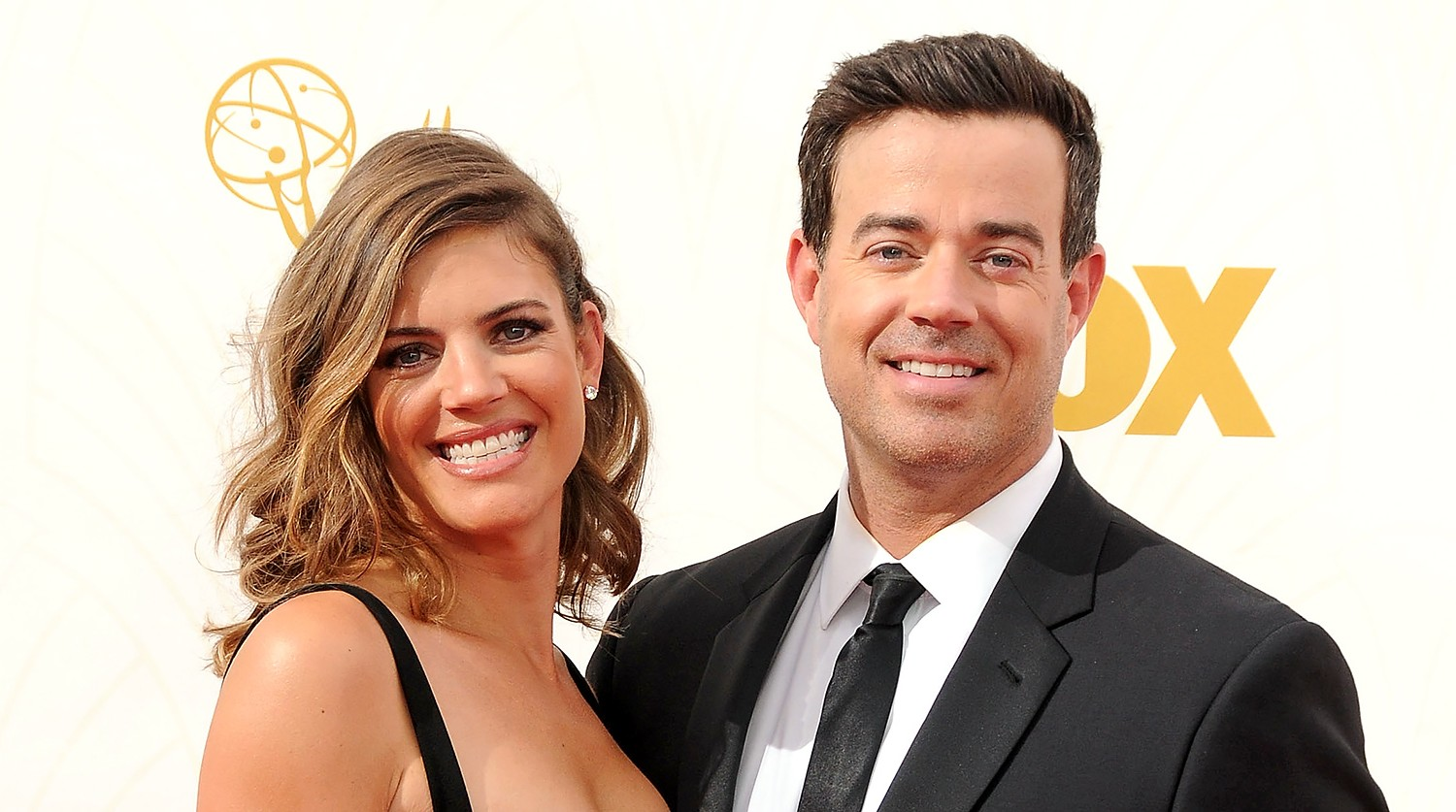 Siri Pinter and Carson Daly get married on December 23.