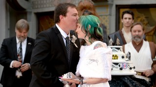 Star Wars fans Andrew Porters and Caroline Ritter of Australia are married in a Star Wars-themed wedding