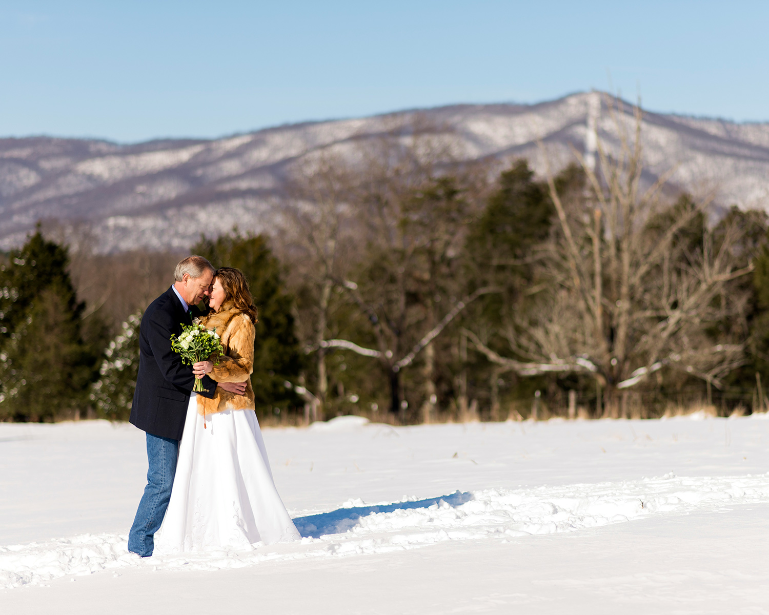 Blizzard elopement couple