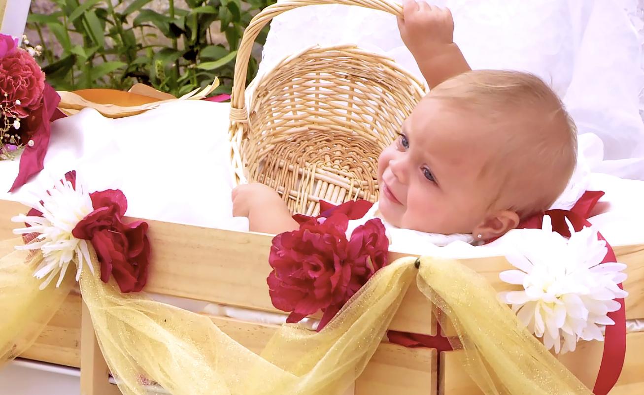 Teen Mom's Catelynn and Tyler's daughter Nova as flower girl