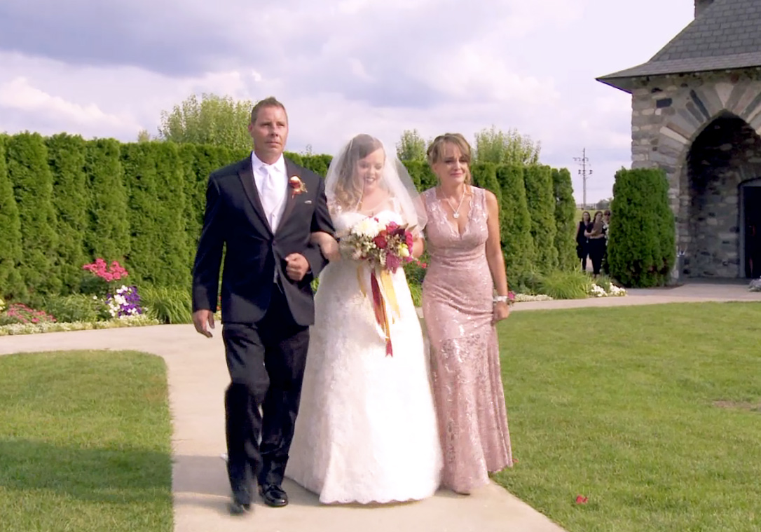 Teen Mom's Catelynn walking down aisle with her mom and dad