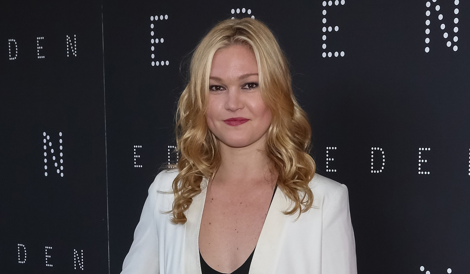 Newly engaged Julia Stiles