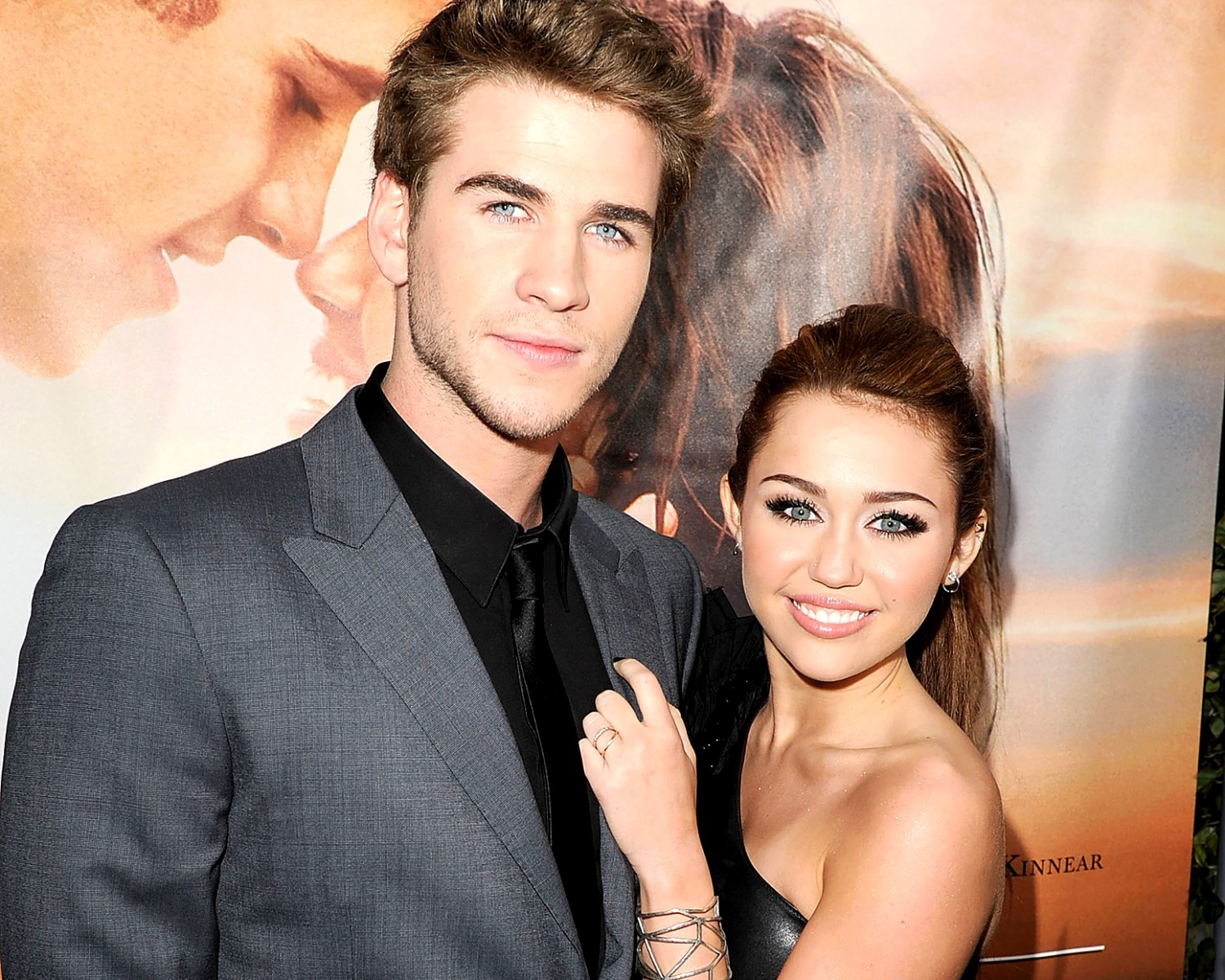 Last Song Wedding.Miley Cyrus And Liam Hemsworth S The Last Song Surged In
