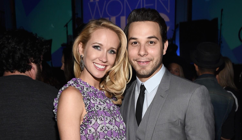 Anna Camp and fiance Sylar Astin