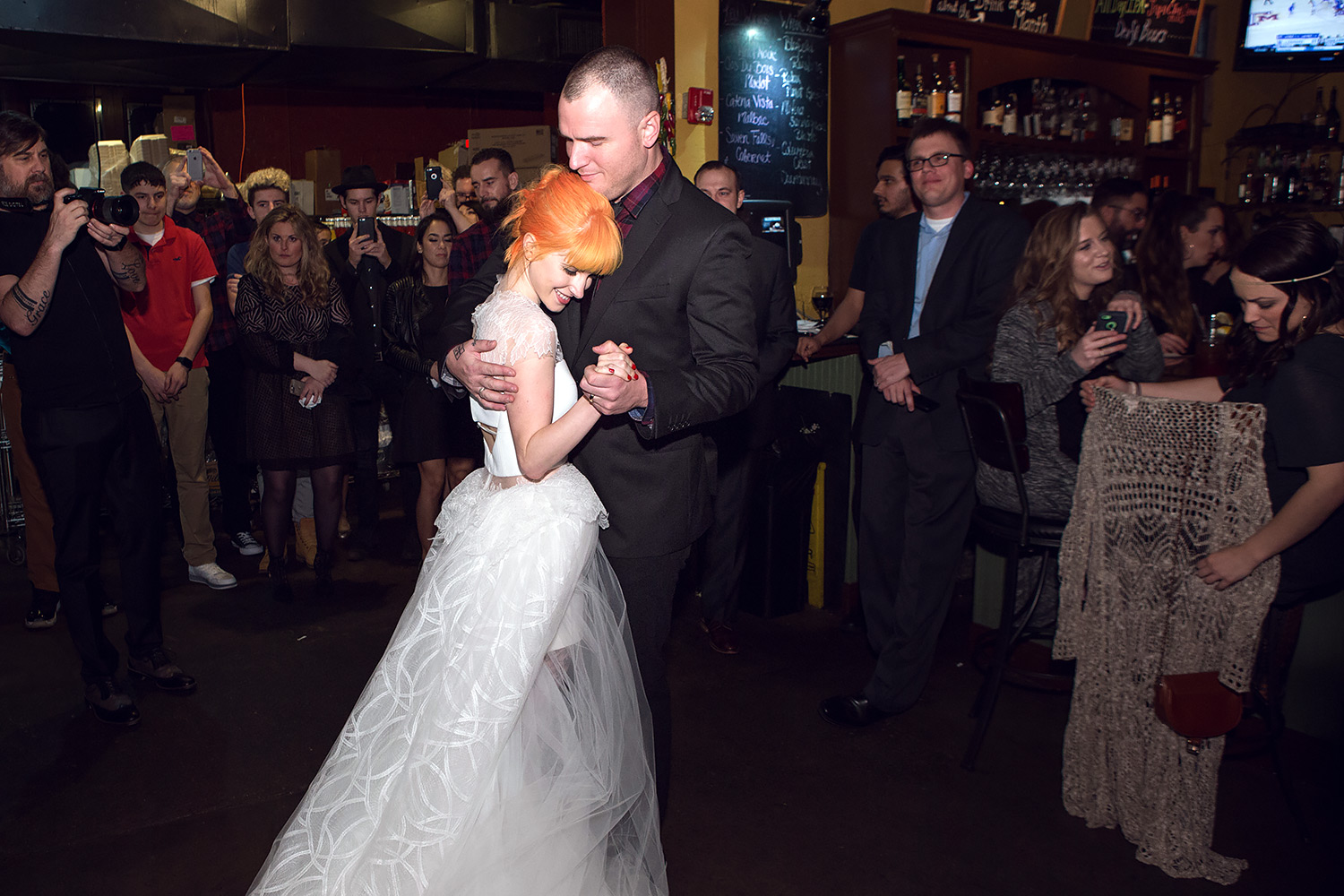 Hayley Williams and Chad Gilbert's first dance