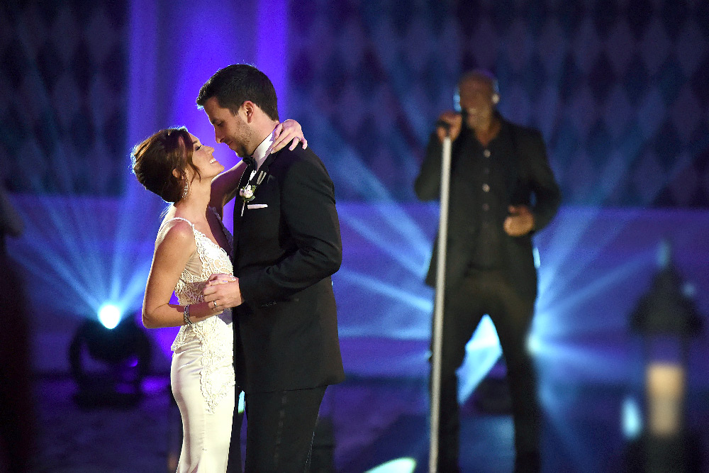 Seal sings at the Bachelor wedding