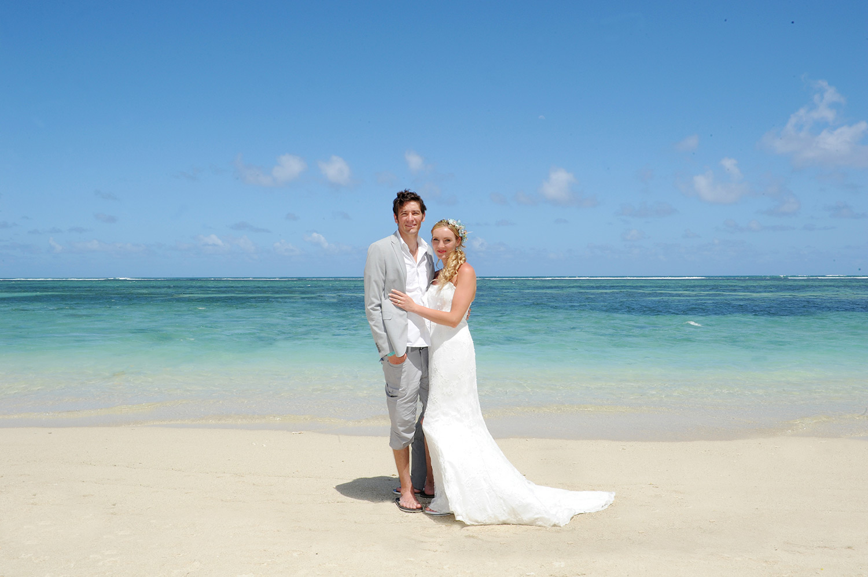 Amelia and Brett's Mauritius wedding
