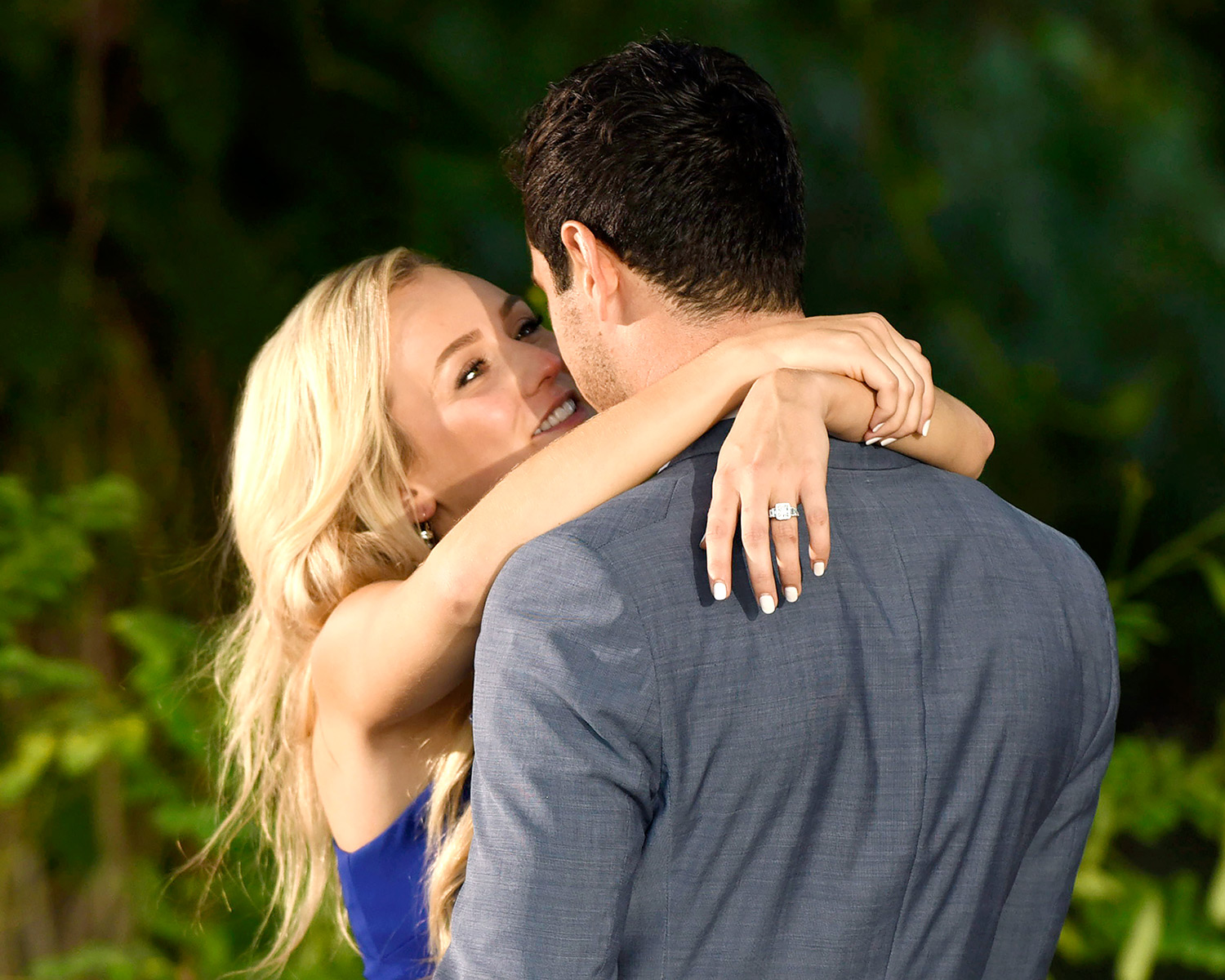 Lauren Bushnell's Neil Lane engagement ring on The Bachelor finale