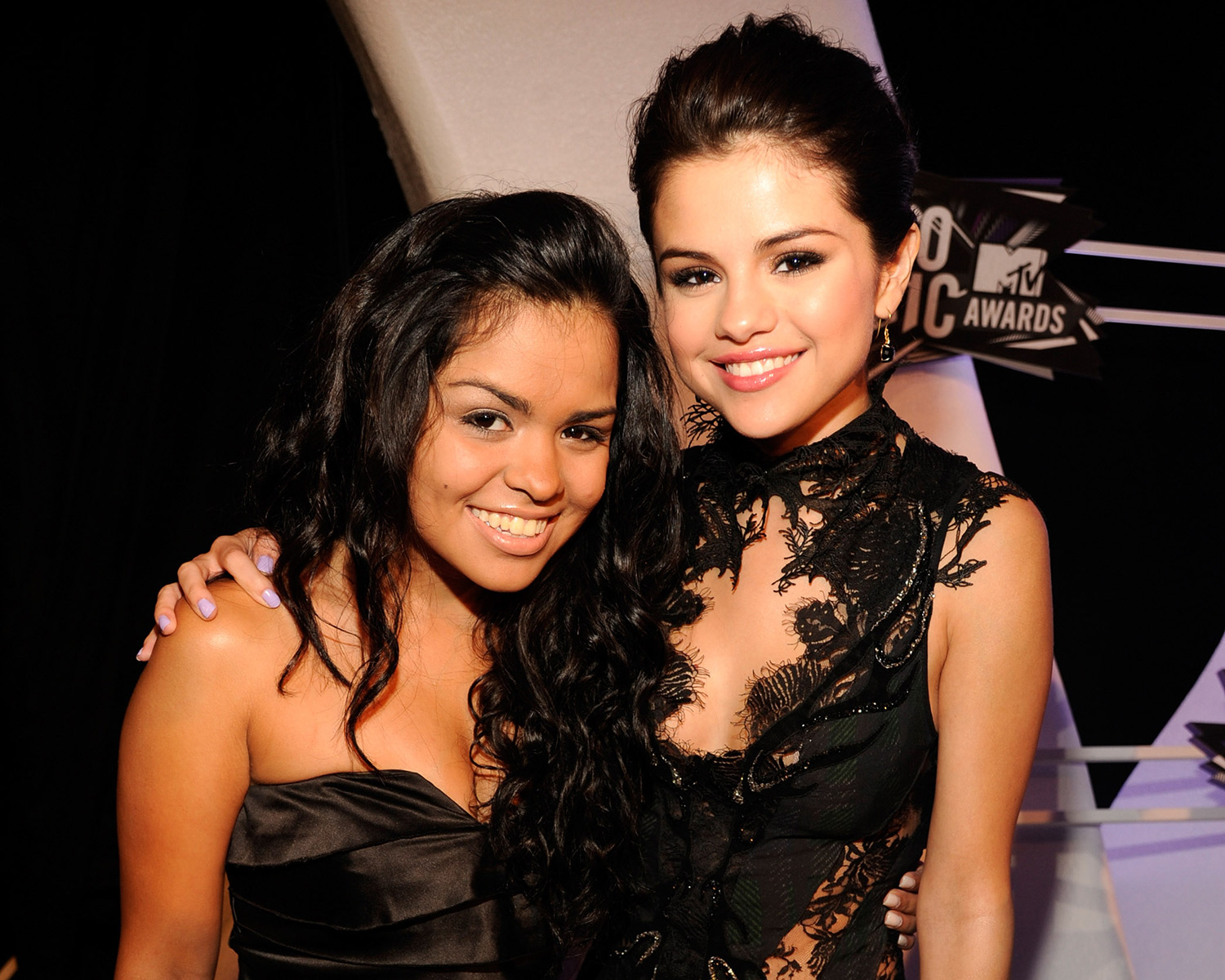 selena gomez named maid of honor plans engagement party