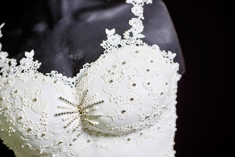 Ideas Wedding Dress Cake stunning wedding dress cake is 165 pounds and edible cake
