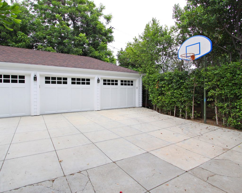 father of the bride basketball court