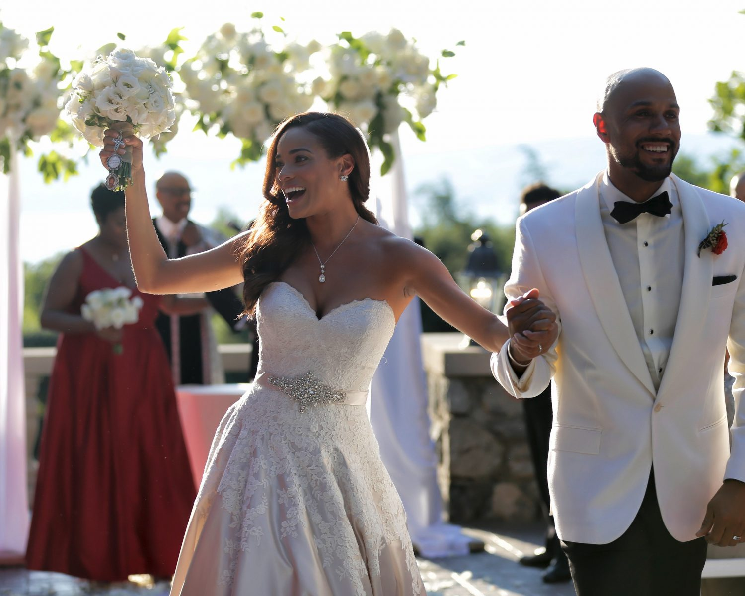 Rochelle Aytes Marries CJ Lindsey In Mansion Wedding Photos