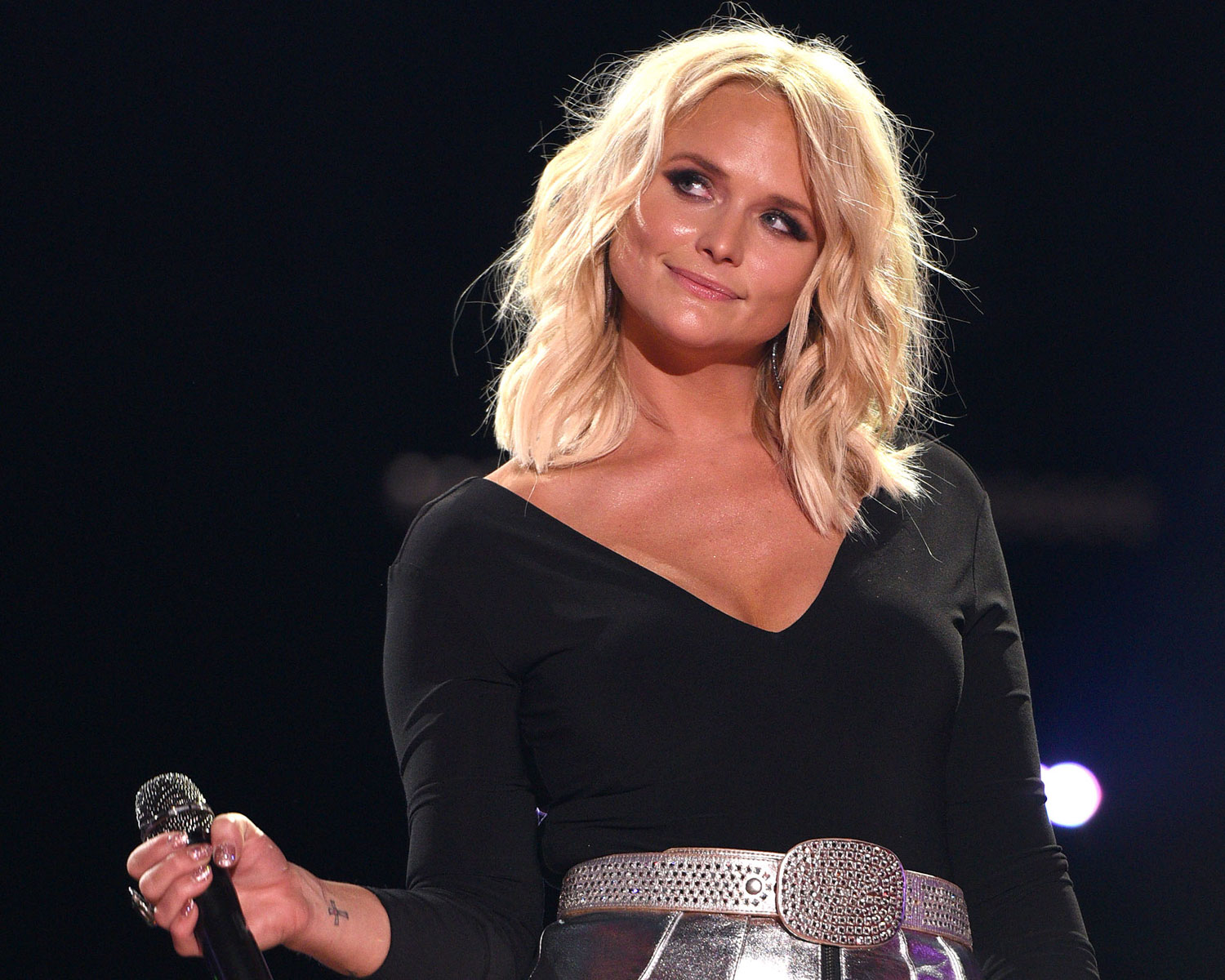 Miranda Lambert Accepts 6 Year Old Fan S Proposal See A Photo