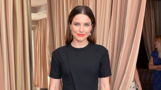 sophia bush helps couple
