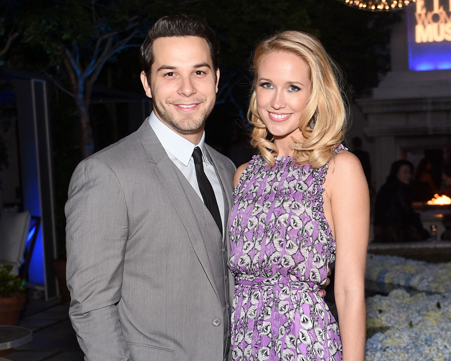 """Anna Camp's Garter Included A """"Partners In Crime"""" Charm: Excl"""