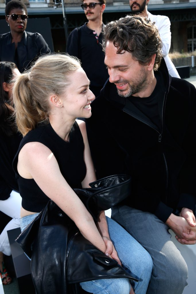 PARIS, FRANCE - JUNE 24: (L-R) Actress Amanda Seyfried and her companion Thomas Sadoski attend the Givenchy Menswear Spring/Summer 2017 show as part of Paris Fashion Week on June 24, 2016 in Paris, France. (Photo by Bertrand Rindoff Petroff/Getty Images)