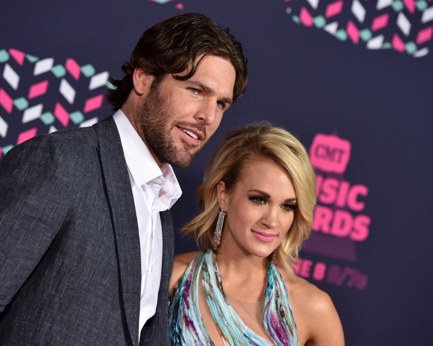 Carrie Underwood Shares Rare Engagement Ring Photo From Mike Fisher