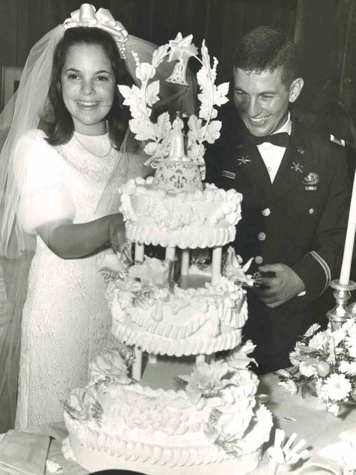 ina garten chocolate wedding cake ina garten adorably recalls disastrous date with 16395