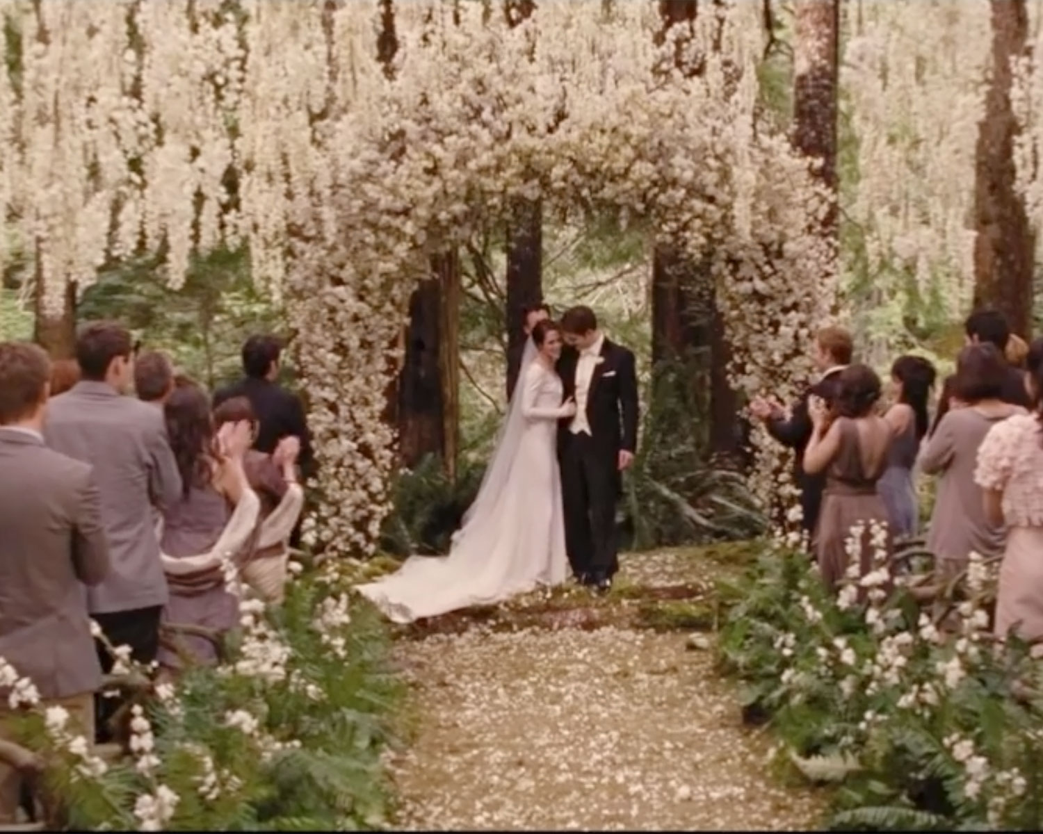 edward and bella wedding ceremony wwwimgkidcom the