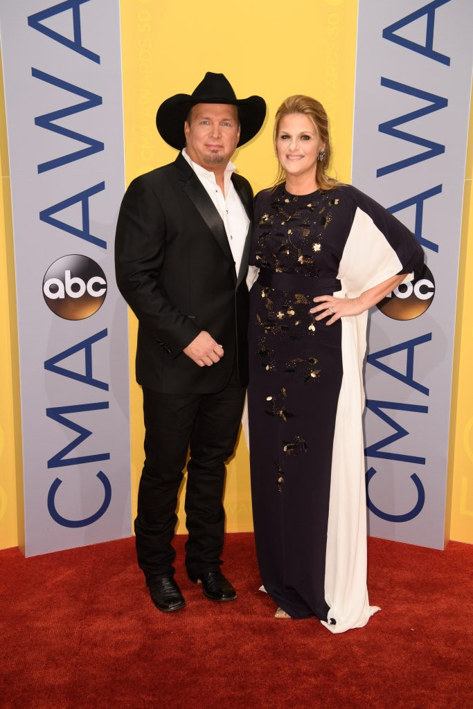 (ABC/Image Group LA) GARTH BROOKS, TRISHA YEARWOOD