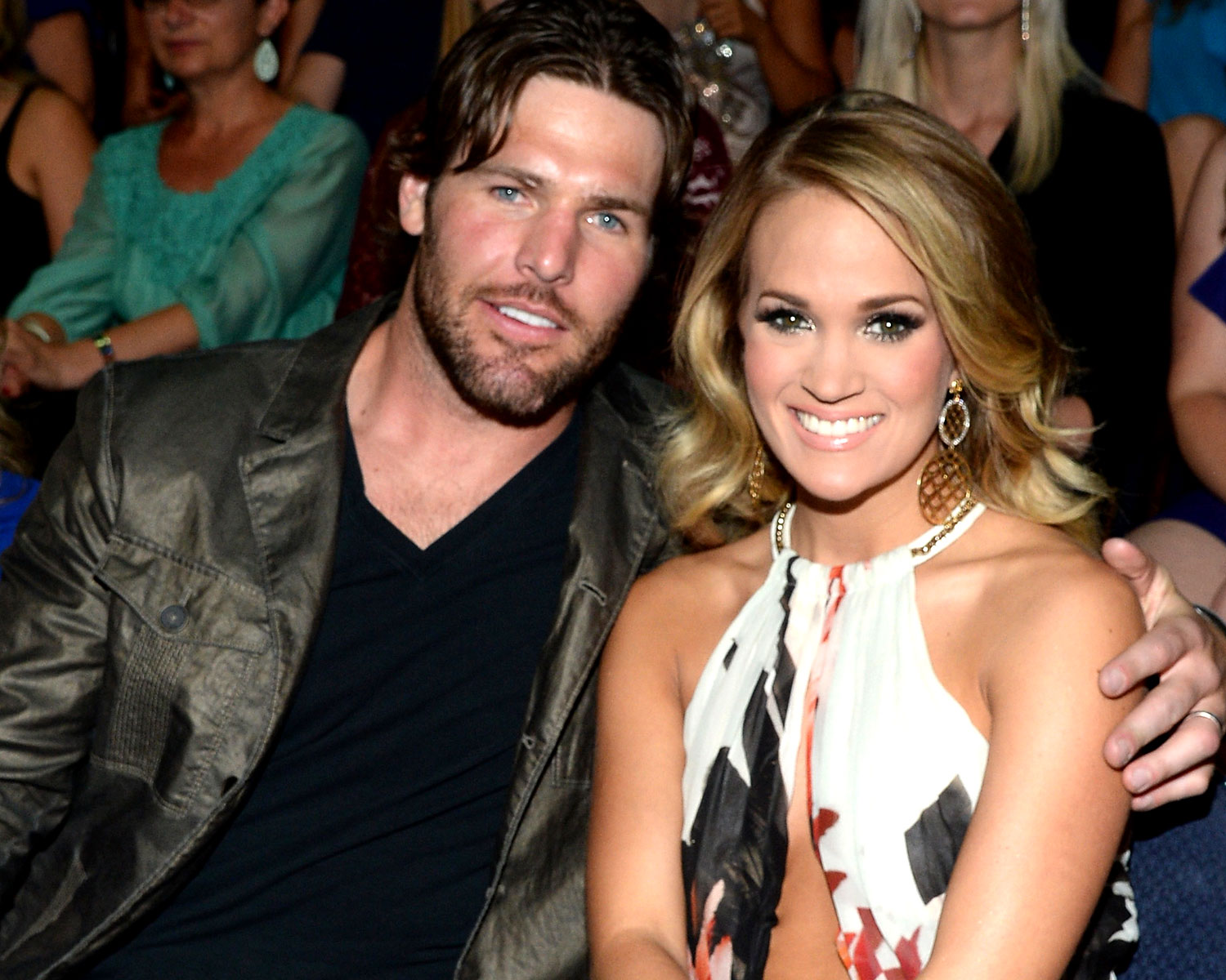 carrie underwood first met mike fisher at a fan meet and greet