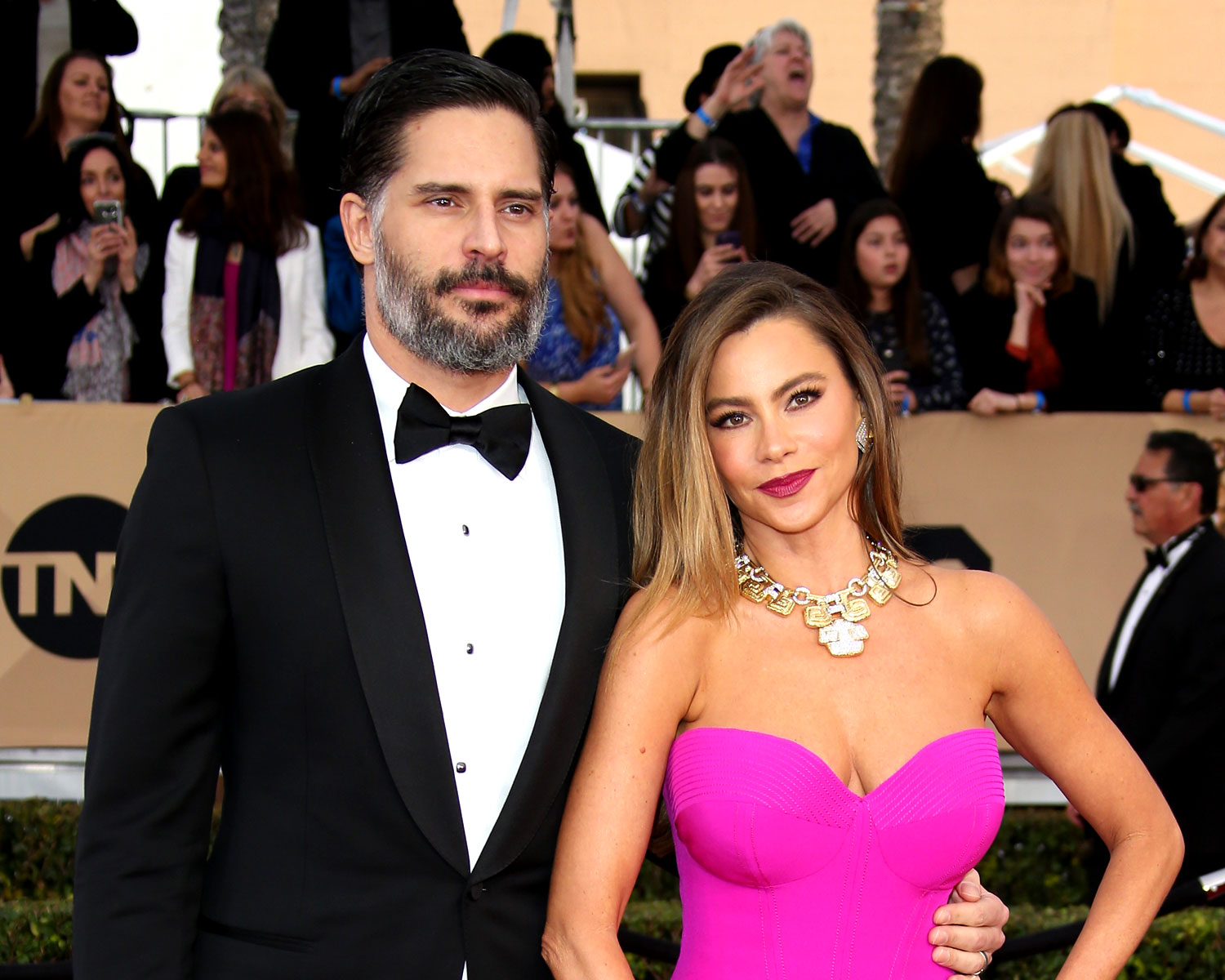 Sofia Vergara Wedding.Sofia Vergara Joe Manganiello Share Wedding Photos A Year Later