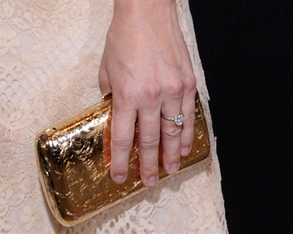 Anna Faris Ring