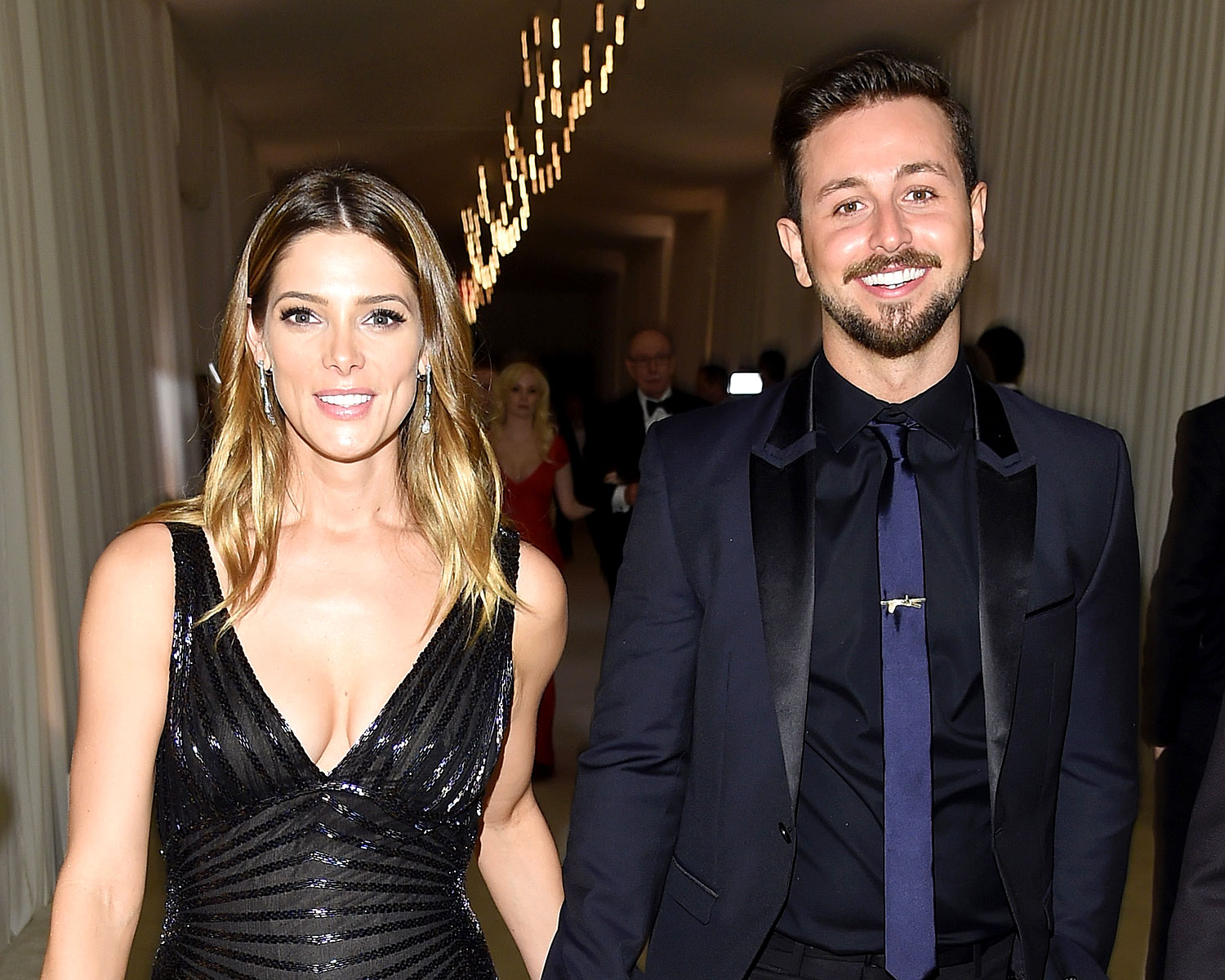 Twilight S Ashley Greene Is Engaged To Boyfriend Paul Khoury
