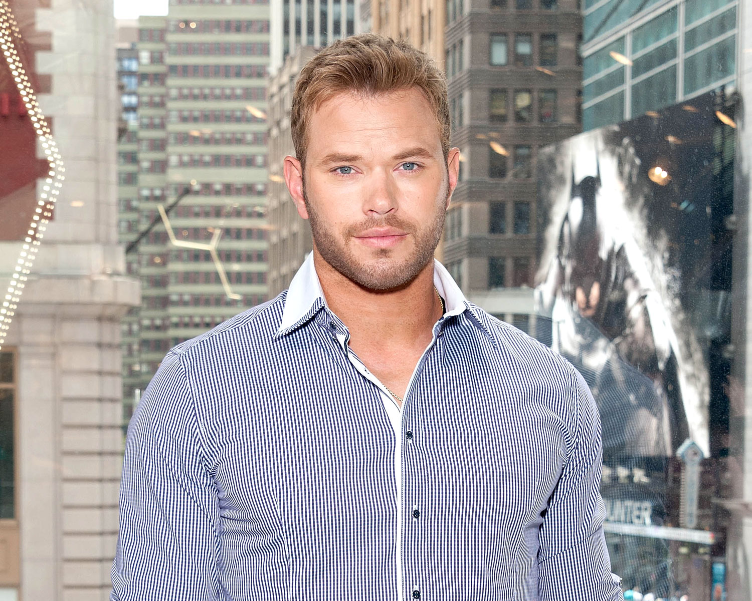 Kellan Lutz Proclaims His Love For Girlfriend Brittany