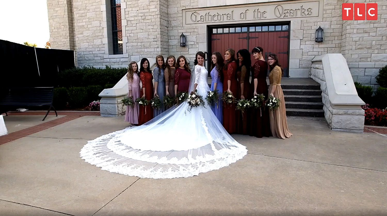 Jinger Duggar Wedding Dress.Jinger Duggar S Wedding Dress Designer On Why Train Was So Long