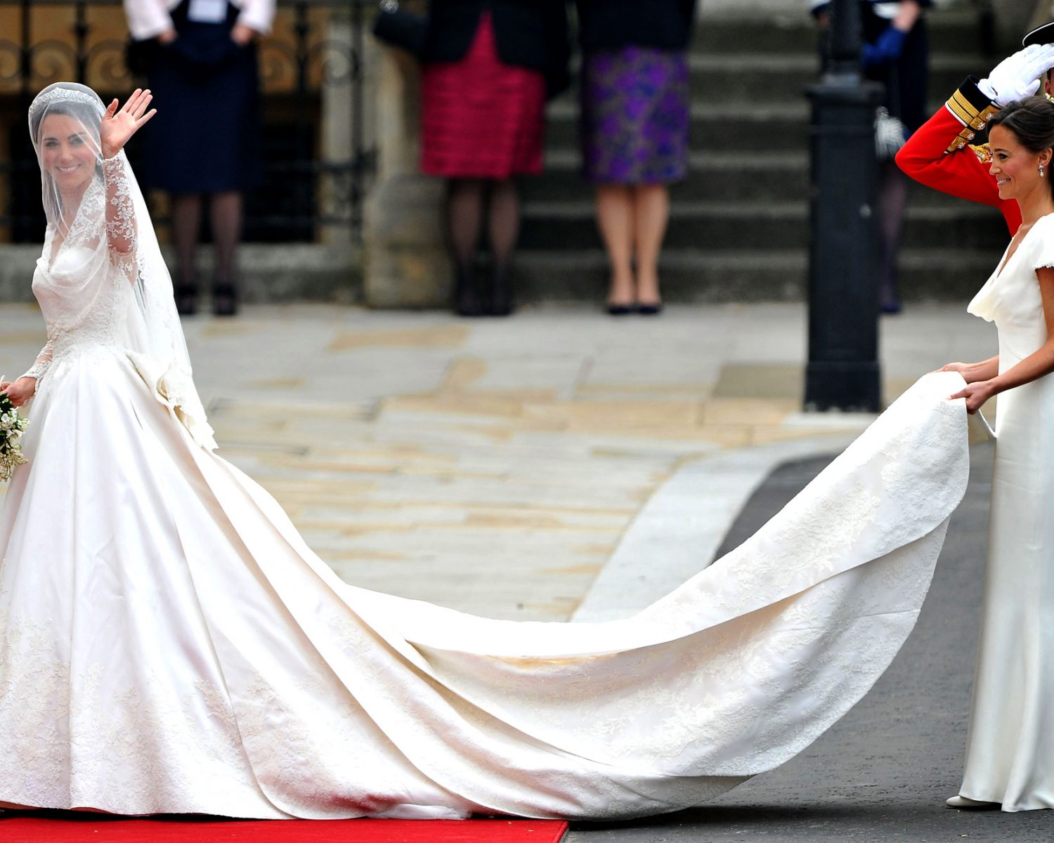 Kate Middletons Wedding Dresses.Kate Middleton Had A Second Wedding Dress And More Facts