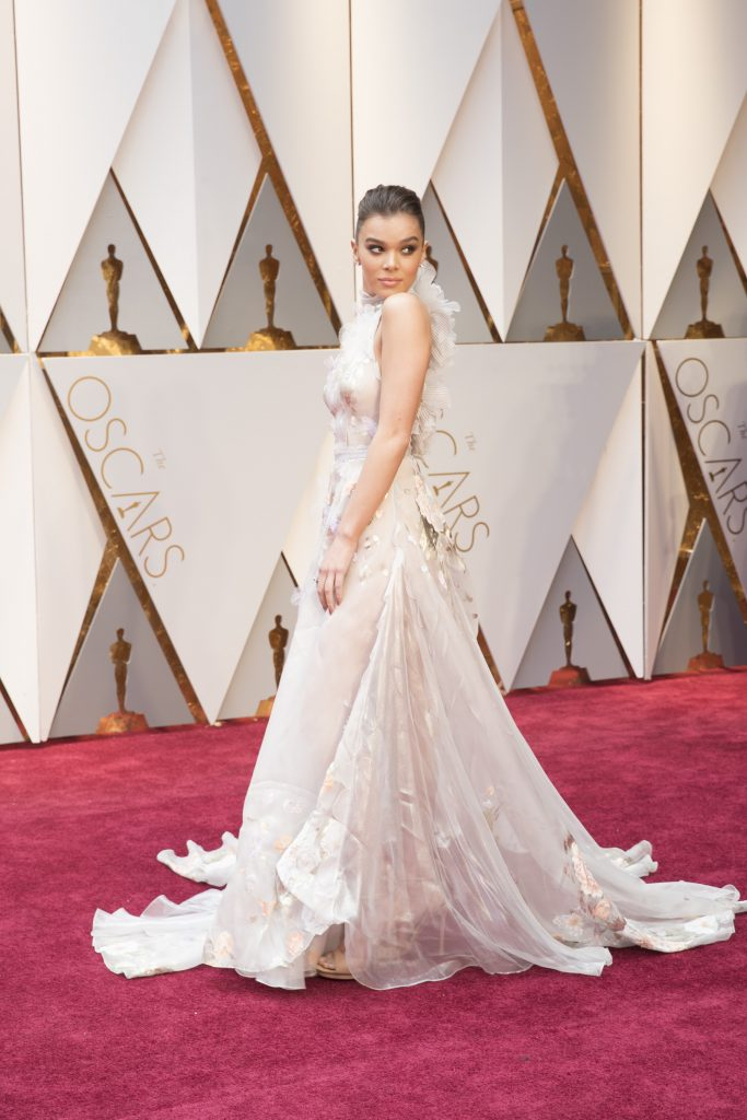 THE OSCARS(r) - The 89th Oscars(r) broadcasts live on Oscar(r) SUNDAY, FEBRUARY 26, 2017, on the ABC Television Network. (ABC/Tyler Golden) HAILEE STEINFELD