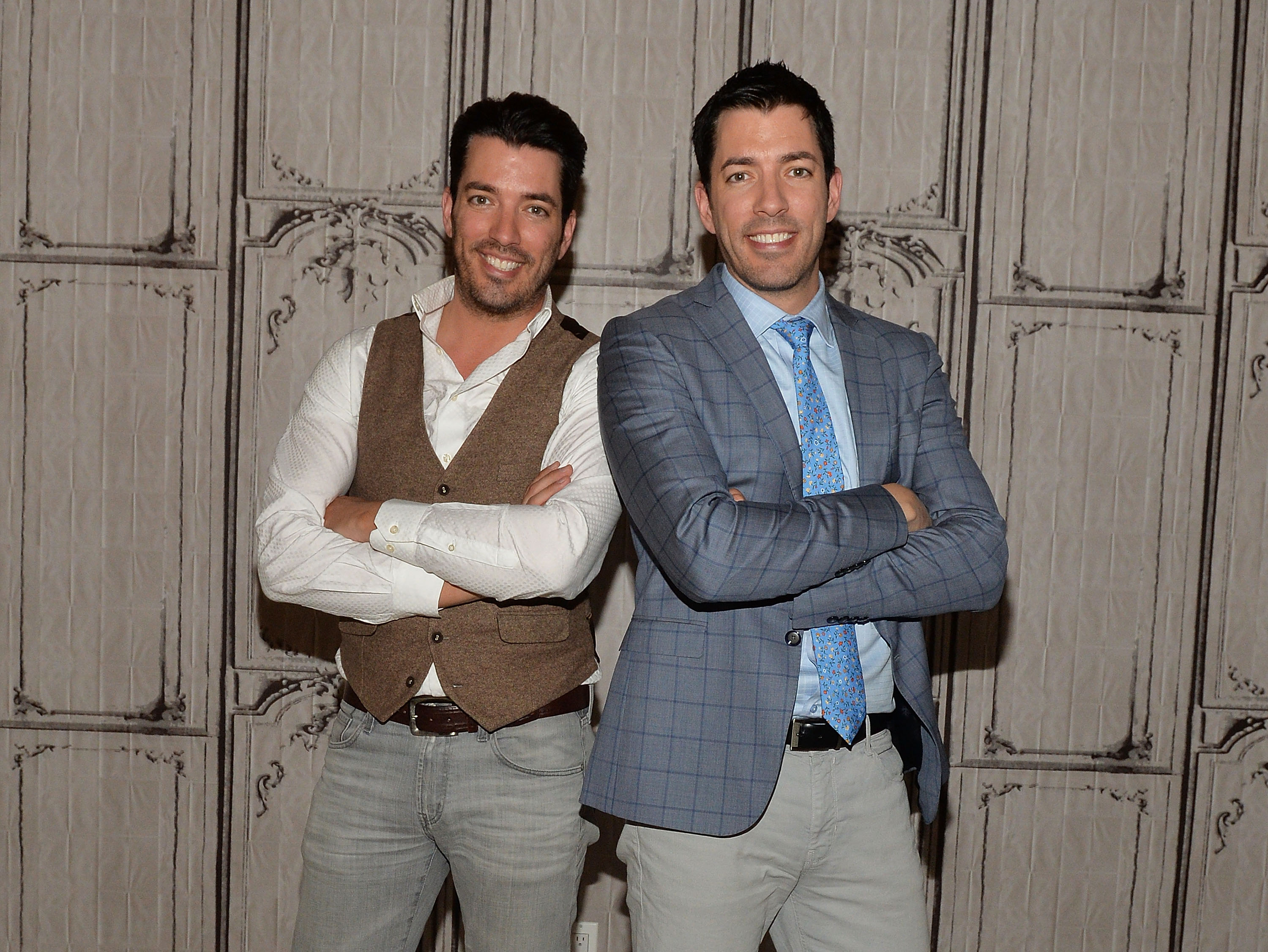 property brothers drew and jonathan scott on finding love. Black Bedroom Furniture Sets. Home Design Ideas
