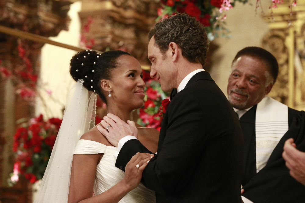 "SCANDAL - ""The Decision"" - With the ugly truth behind Frankie's assassination revealed, a torn Olivia wonders how different her life - and the country - would be if she, Mellie and Cyrus had never rigged Fitz's election, on ""Scandal,"" airing THURSDAY, APRIL 13 (9:01-10:00 p.m. EDT), on The ABC Television Network. (ABC/Mitch Haaseth) KERRY WASHINGTON, TONY GOLDWYN, DUANE R. SHEPARD SR."
