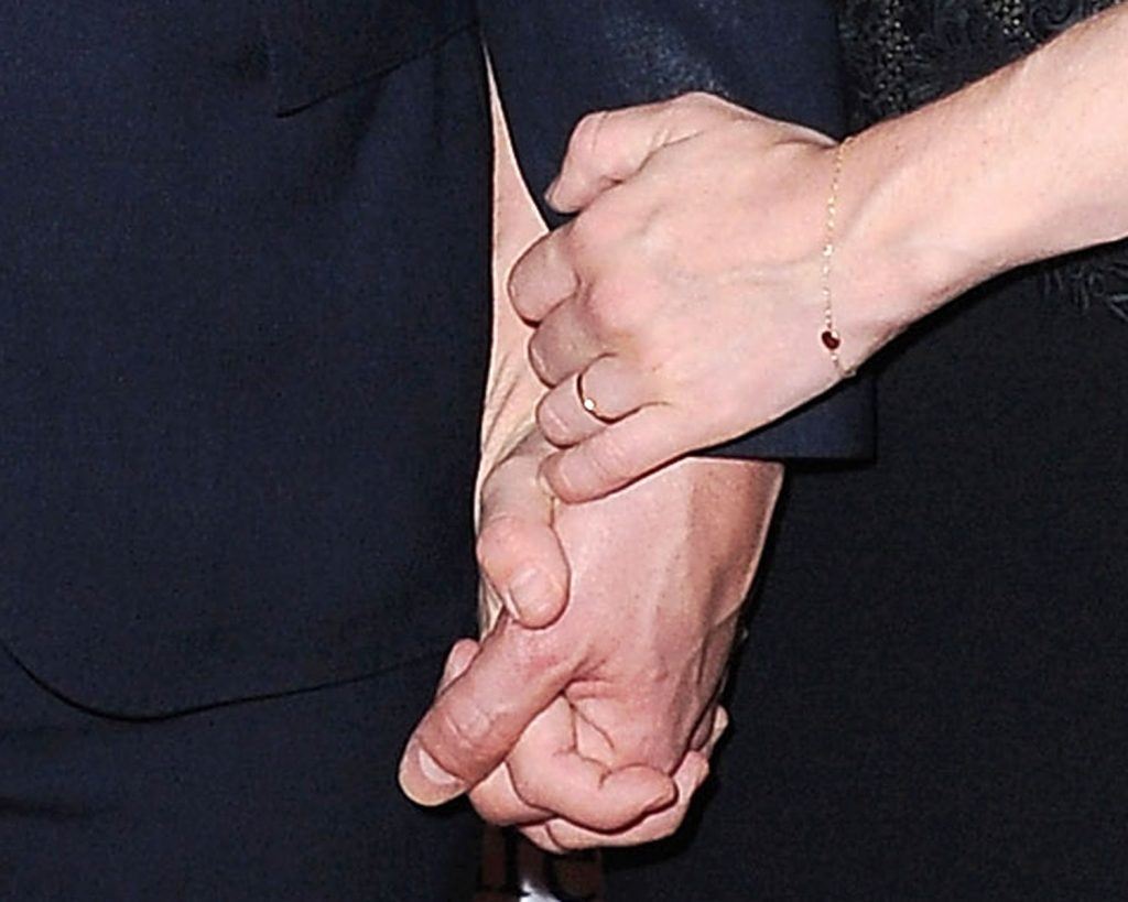 Amanda Seyfried engagement wedding ring