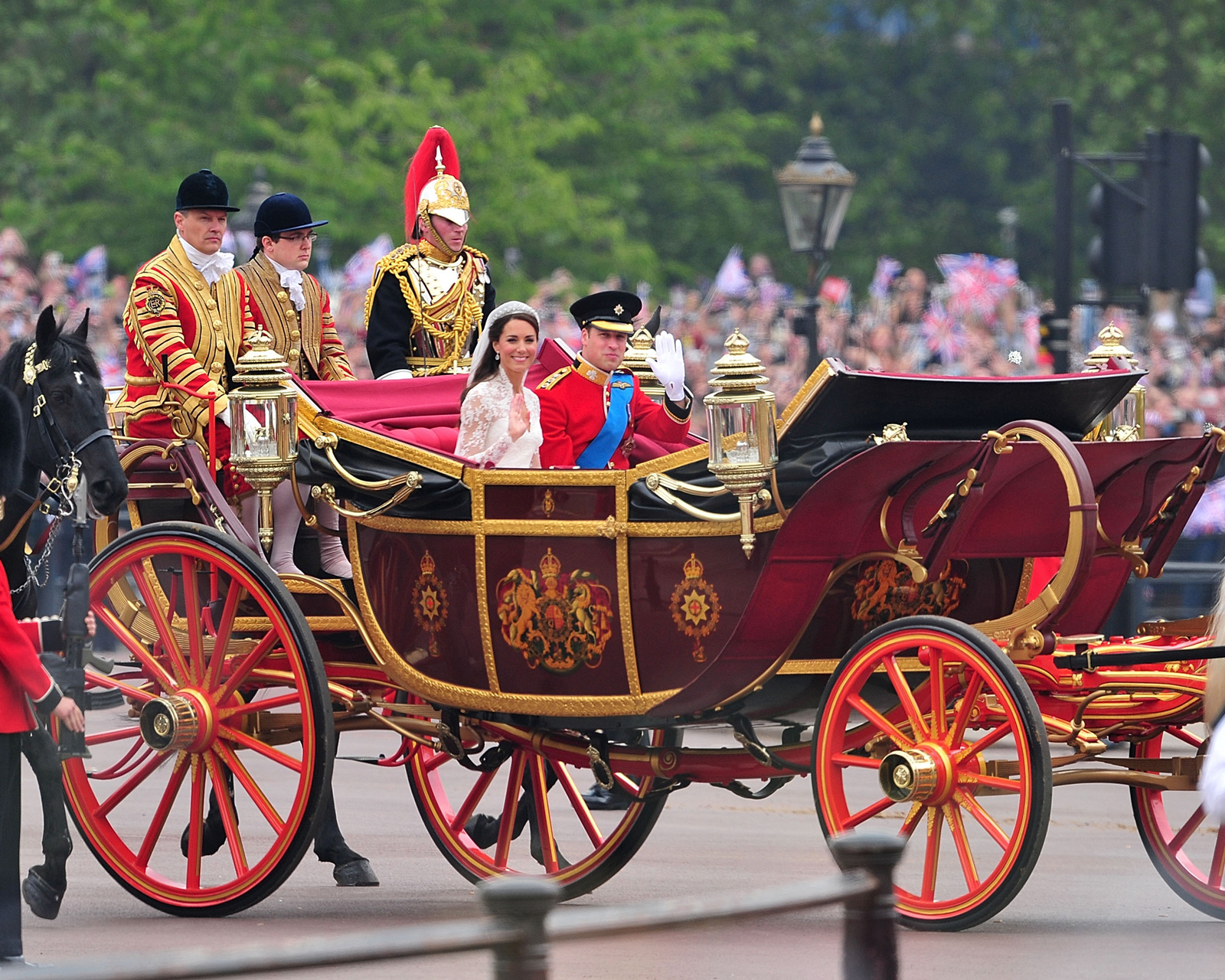 carriage wedding of will and kate