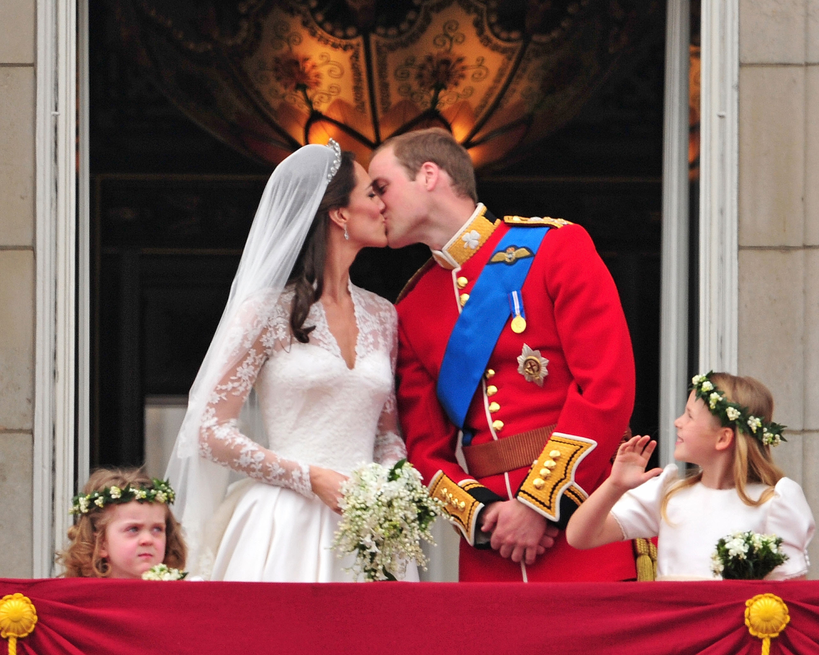 Kate Middleton And Prince William S Wedding Facts And Photos