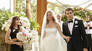 Emily VanCamp Josh Bowman Revenge wedding