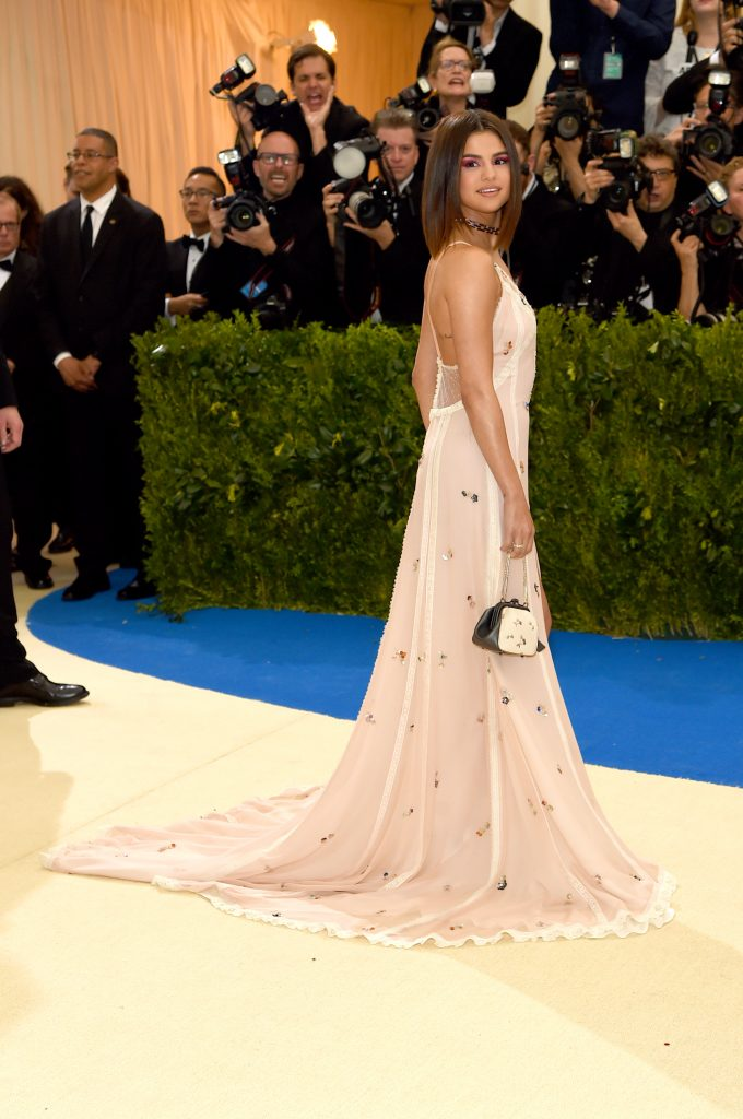 """NEW YORK, NY - MAY 01: Selena Gomez attends the """"Rei Kawakubo/Comme des Garcons: Art Of The In-Between"""" Costume Institute Gala at Metropolitan Museum of Art on May 1, 2017 in New York City. (Photo by Jamie McCarthy/FilmMagic)"""