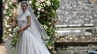 Giles Deacon Pippa Middleton wedding dress