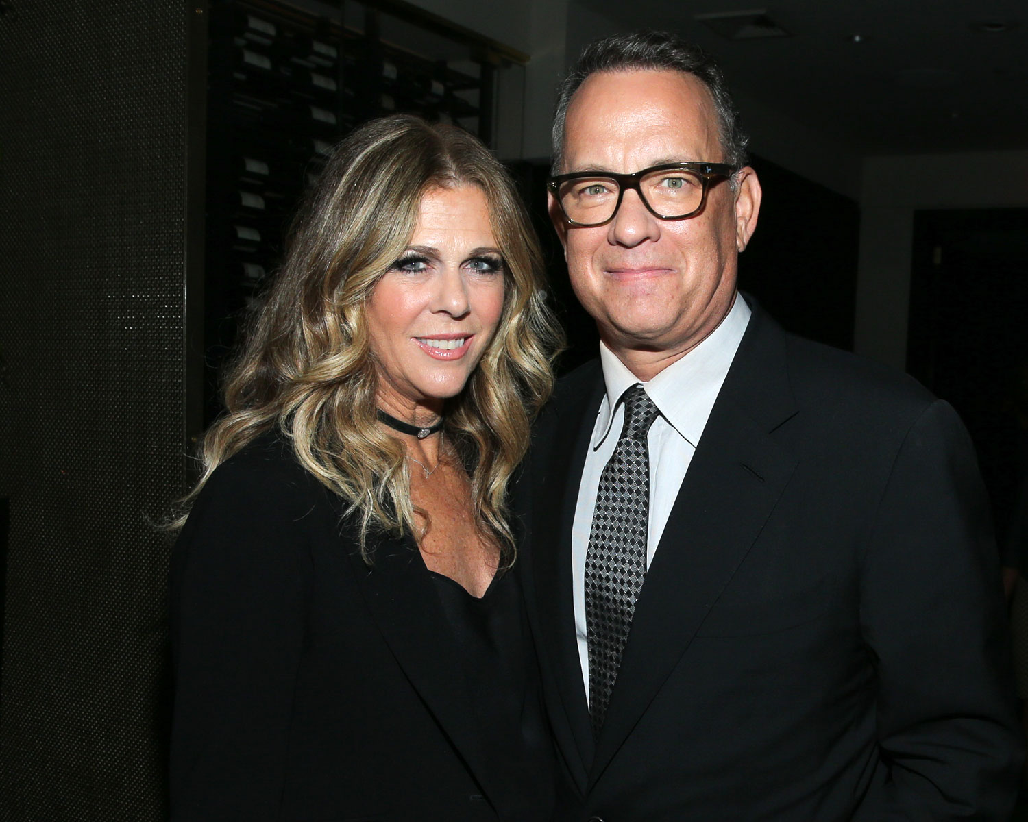 Rita Wilson Posts Adorable Wedding Anniversary Note for ...