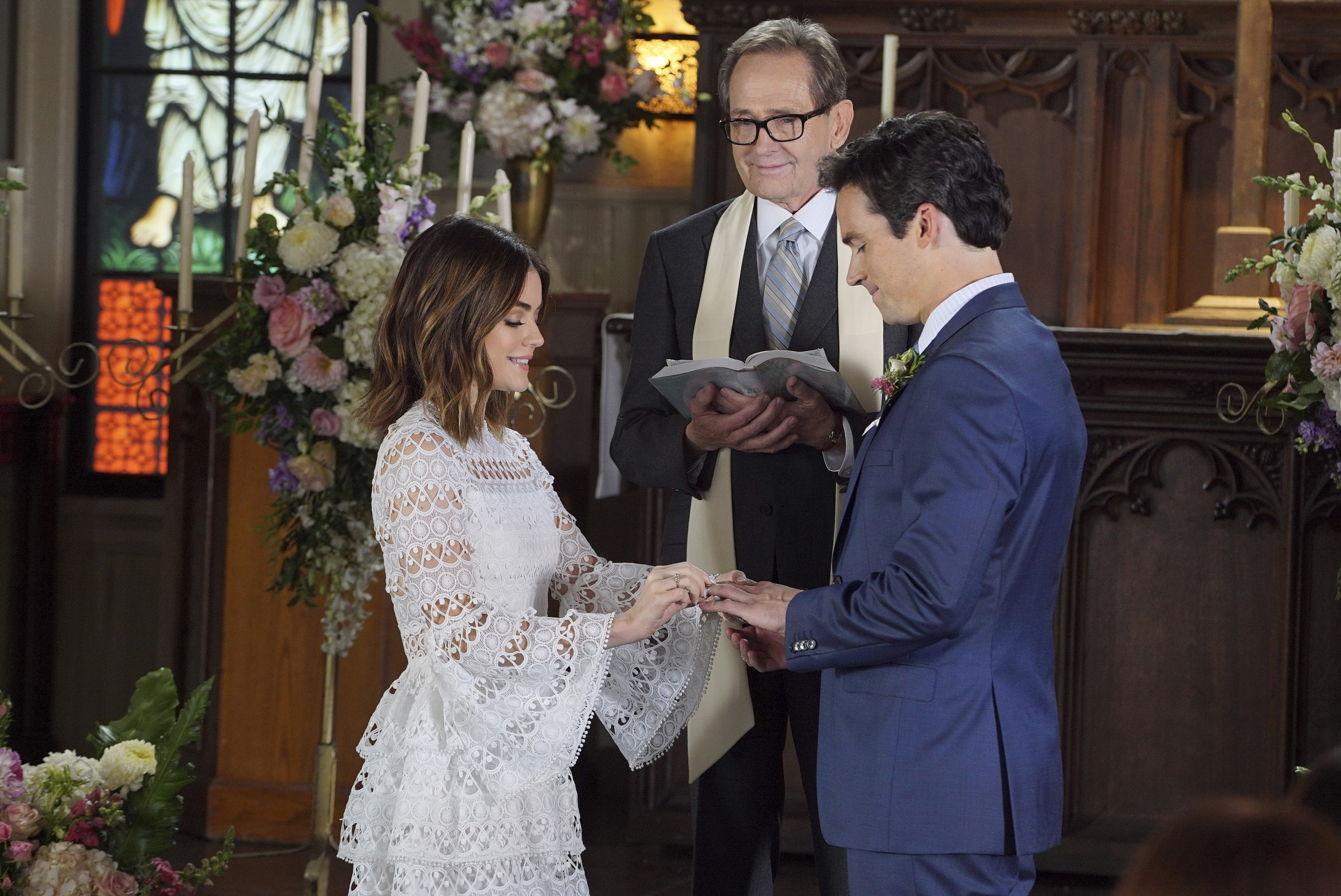 Pretty Little Liars Wedding Gown, Bridesmaid Dress Details: Exclusive