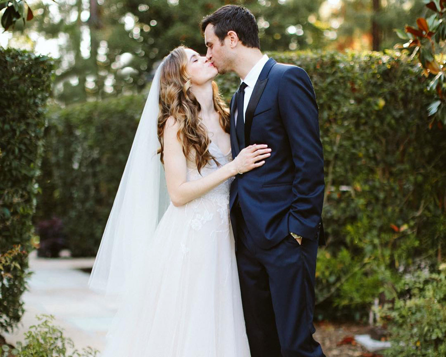 Danielle Panabaker Marries Hayes Robbins See The First Photo